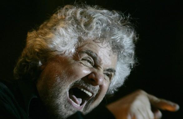 """Beppe Grillo grida al complotto e pubblica i """"veri"""" dati delle amministrative"""