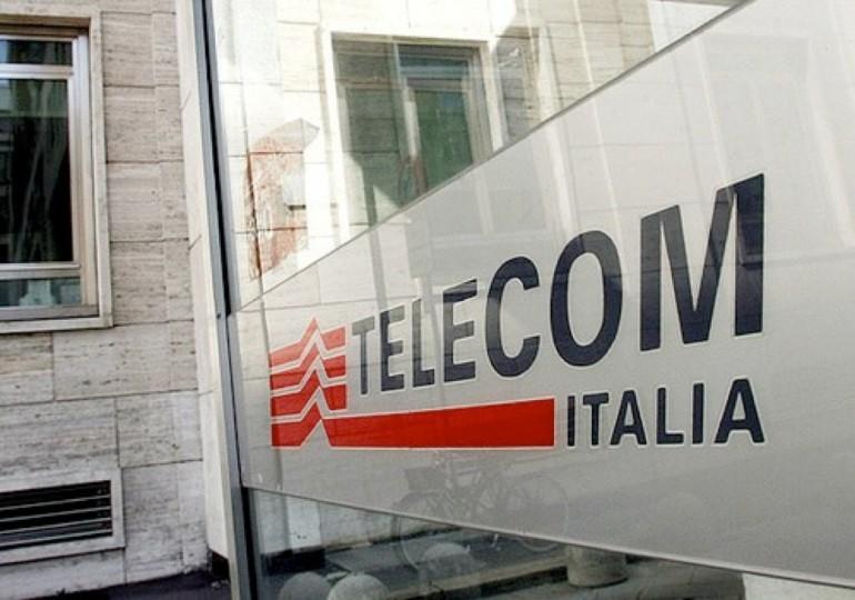 Telecom, libera banda in libero Stato (con soldi anche pubblici)