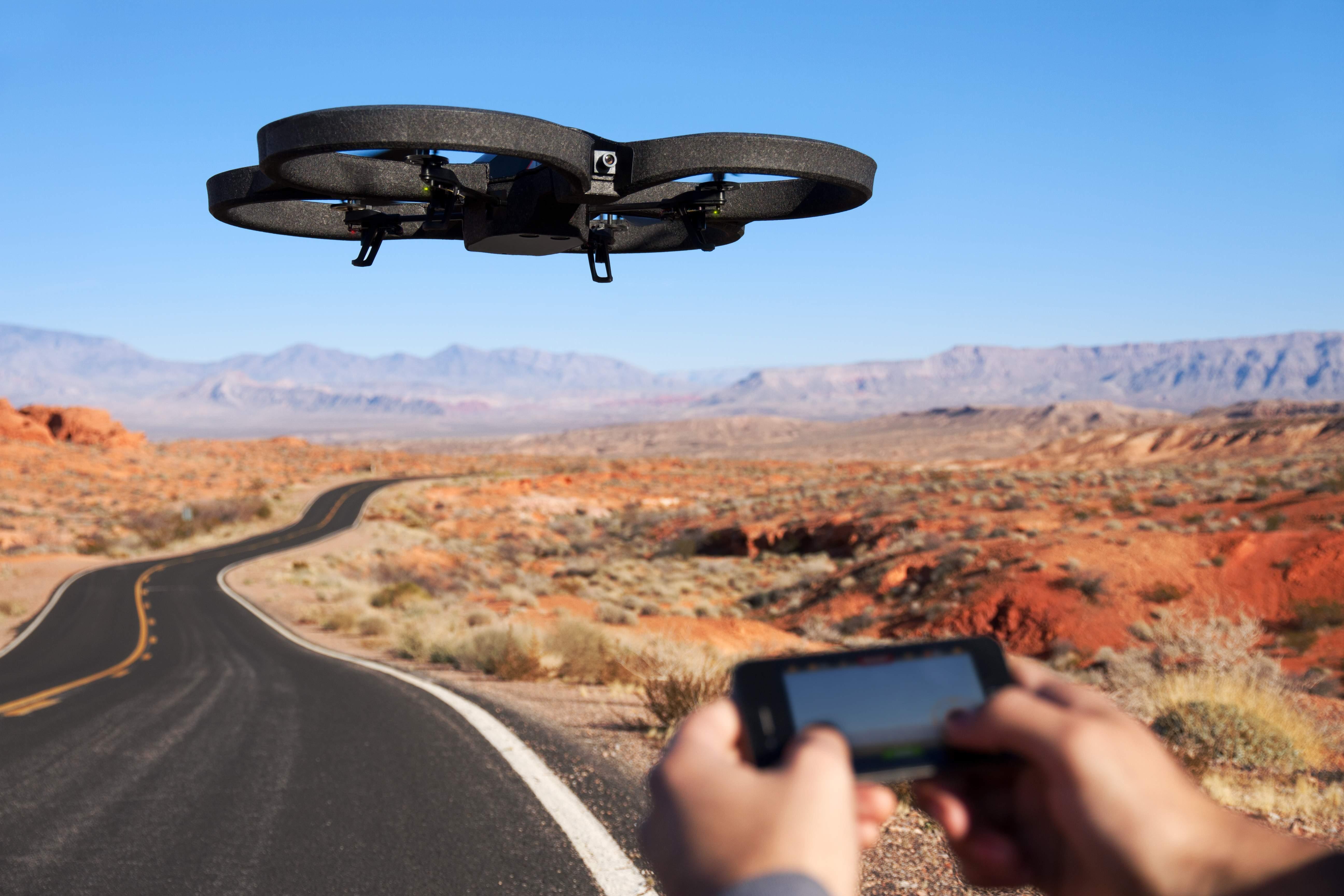 Droni, ecco il nuovo regolamento per gli usi civili