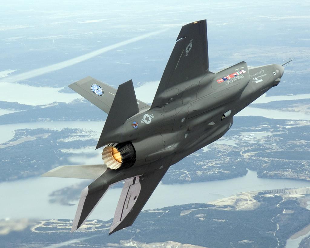 Perché gli F-35 fanno litigare Emirati e Israele? Lo spiega il generale Camporini