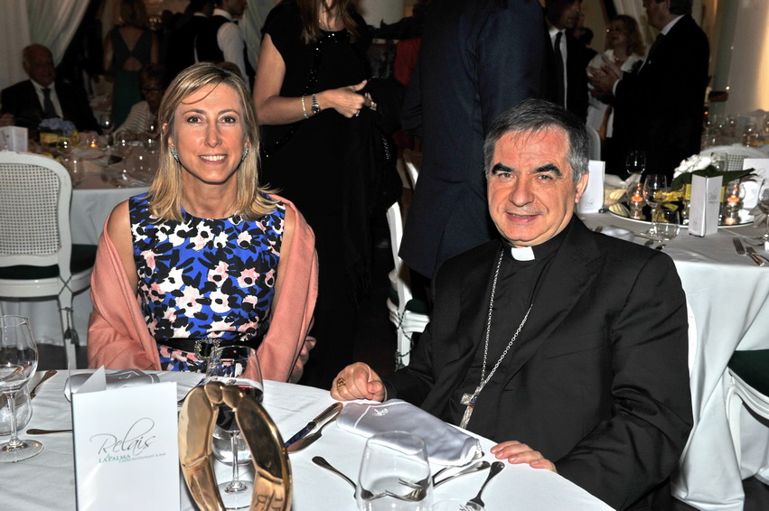 Giovanni Angelo Becciu e Simona Agnes
