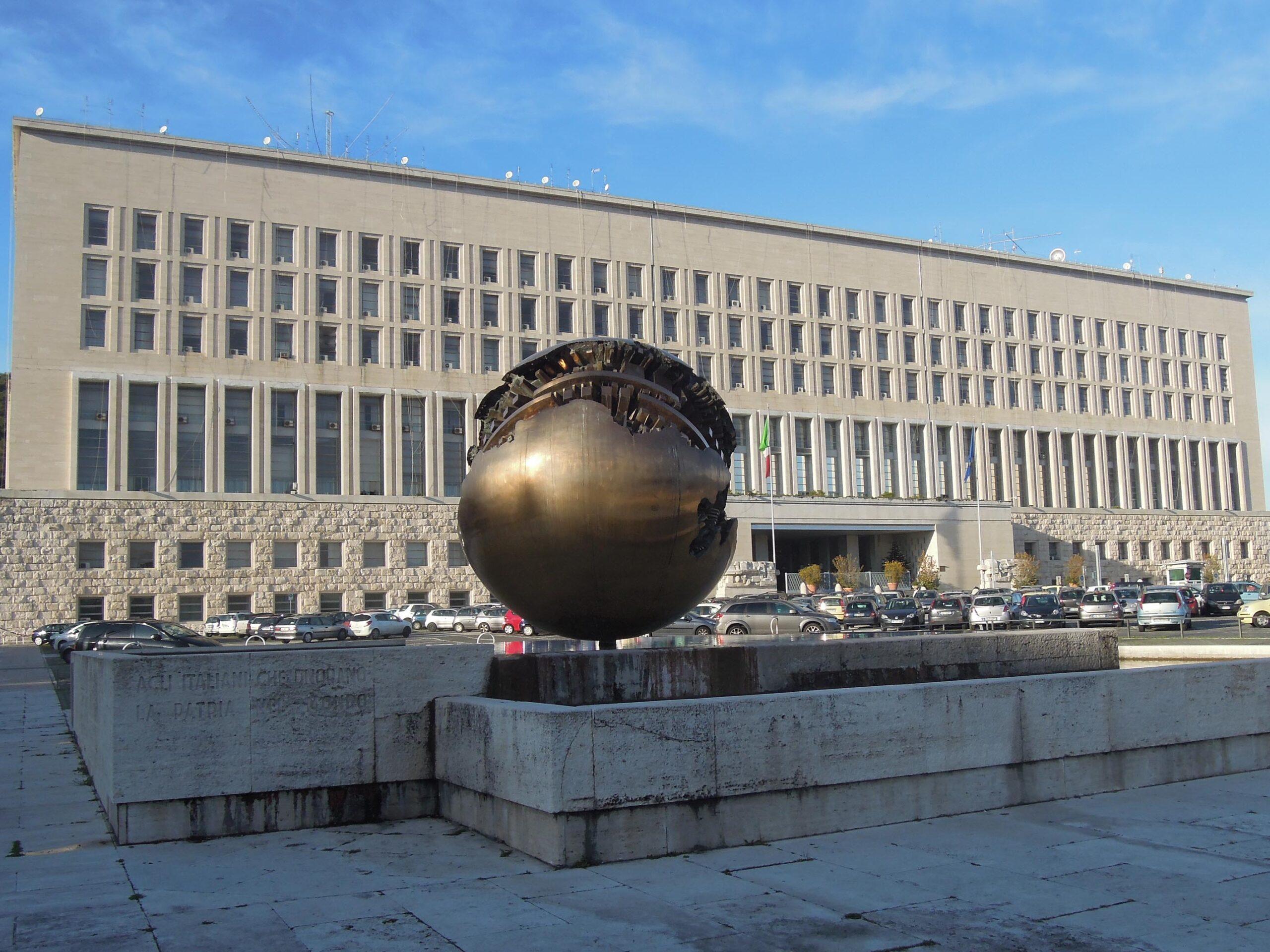Sicurezza e cyber diplomacy, così può crescere il sistema Italia. Parla l'ambasciatore Talò