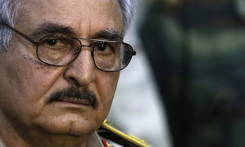 Come e perché Russia ed Emirati in Libia stanno sostenendo Haftar