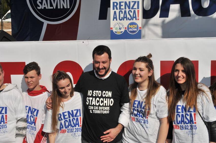 Ecco la piazza fascio-grillina di Matteo Salvini