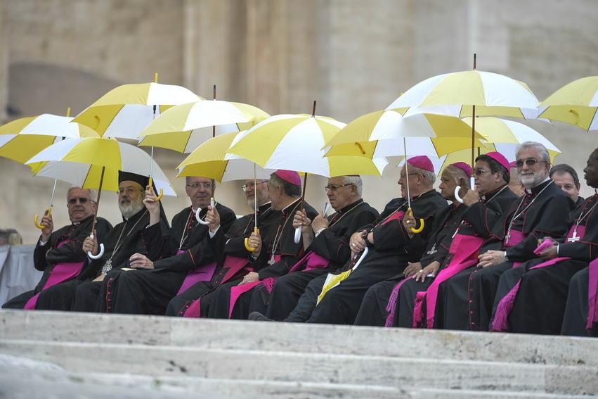 Chi sono i vescovi in simbiosi con i No Triv