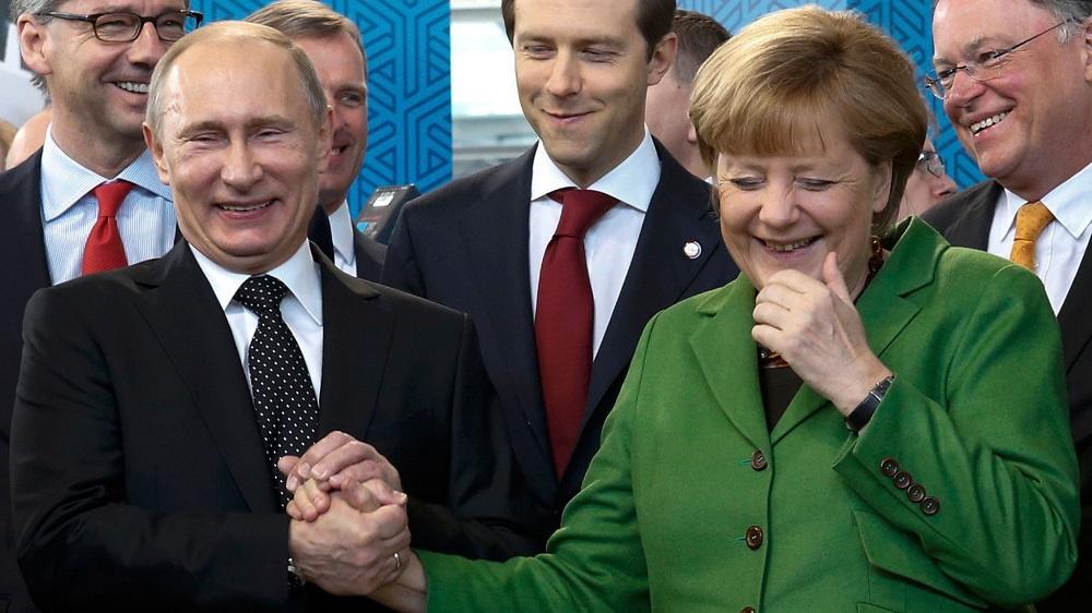 Merkel demolirà quanto costruito da Schroeder con Putin?