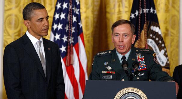 Ideona di Petraeus: combattiamo l'Isis con al Qaeda