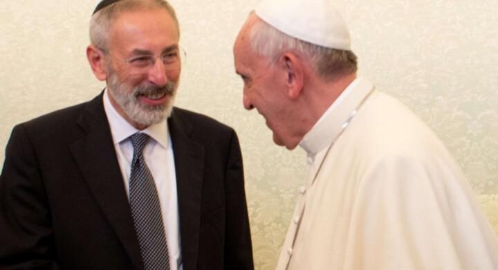 Perché la visita di Papa Francesco in Sinagoga è diversa da quelle dei predecessori