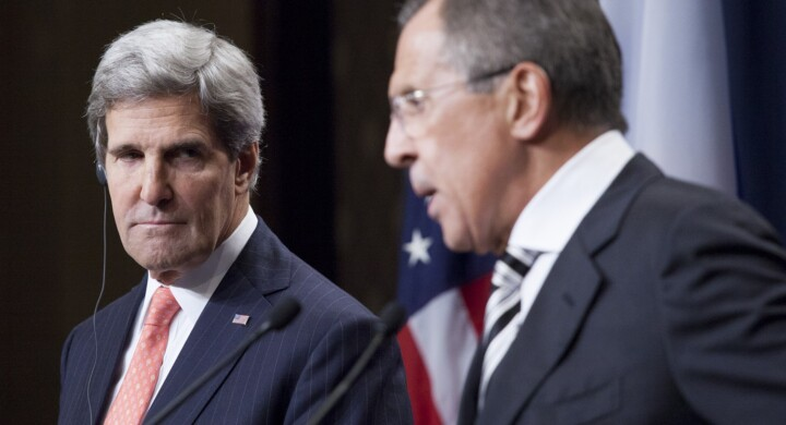 """Toh, che sorpresa. Kerry e Lavrov si incontrano """"per caso"""" in India. E parlano di…"""
