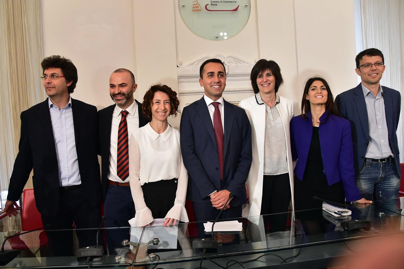 Matteo Brambilla, Max Bugani, Antonietta Martinez, Virginia Raggi, Chiara Appendino e Paolo Menis