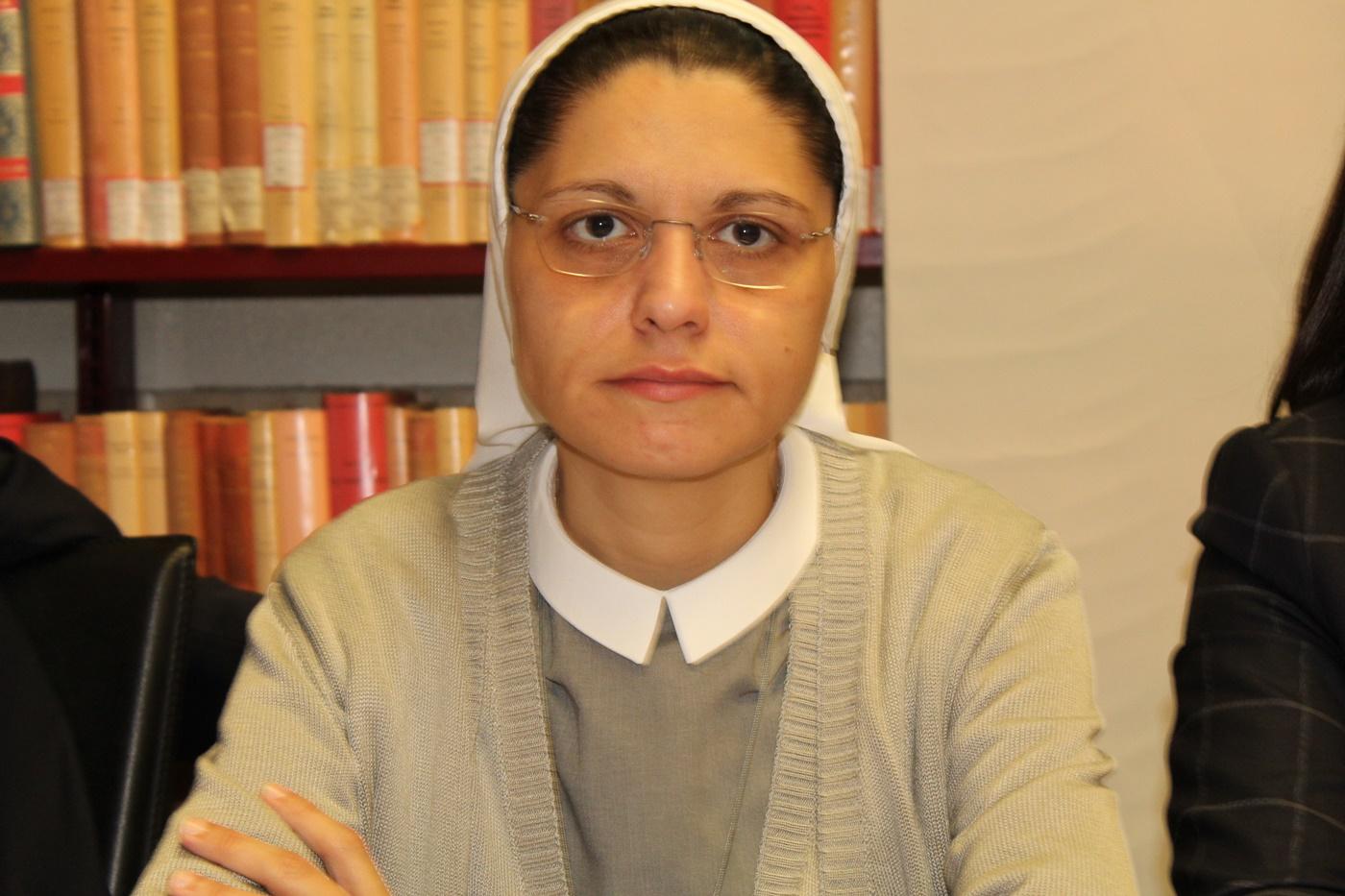 Anna Monia Alfieri, scuola