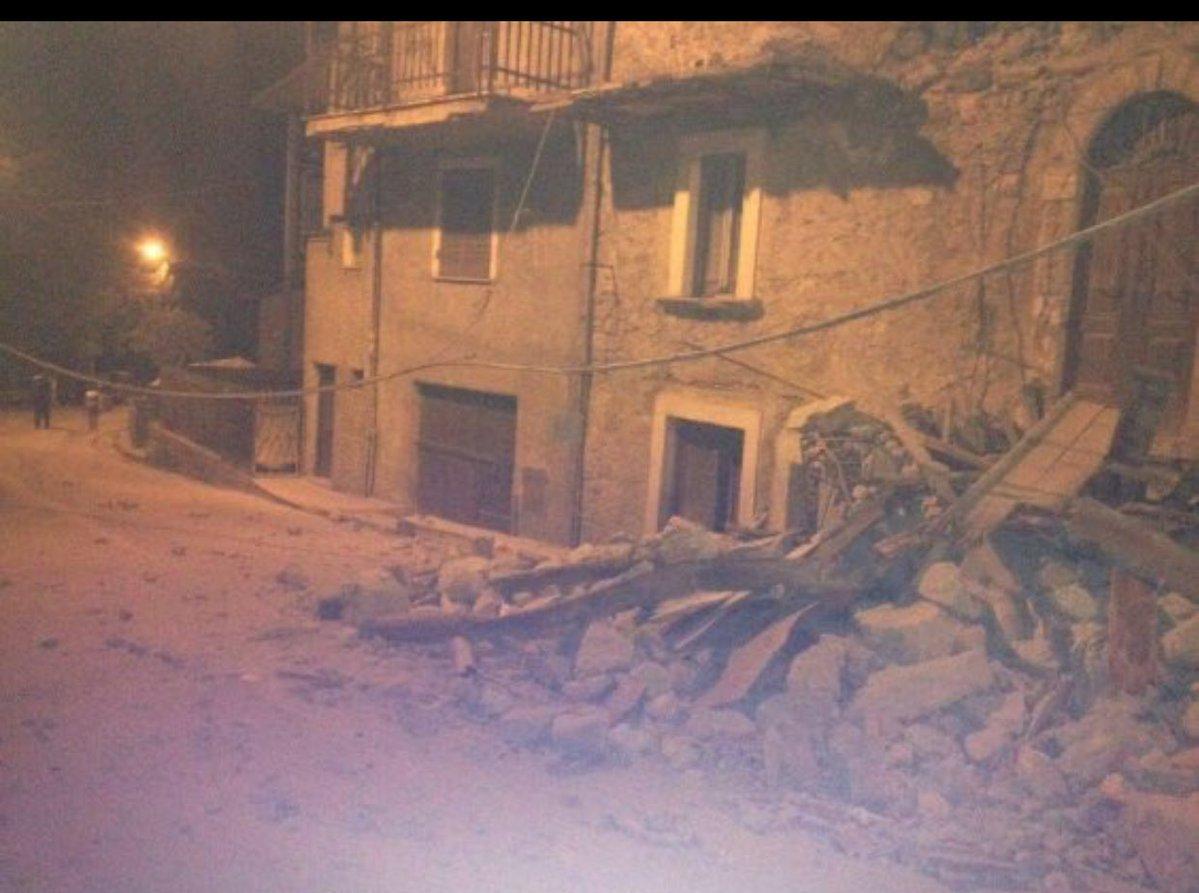 Ecco gli effetti del terremoto nel centro Italia
