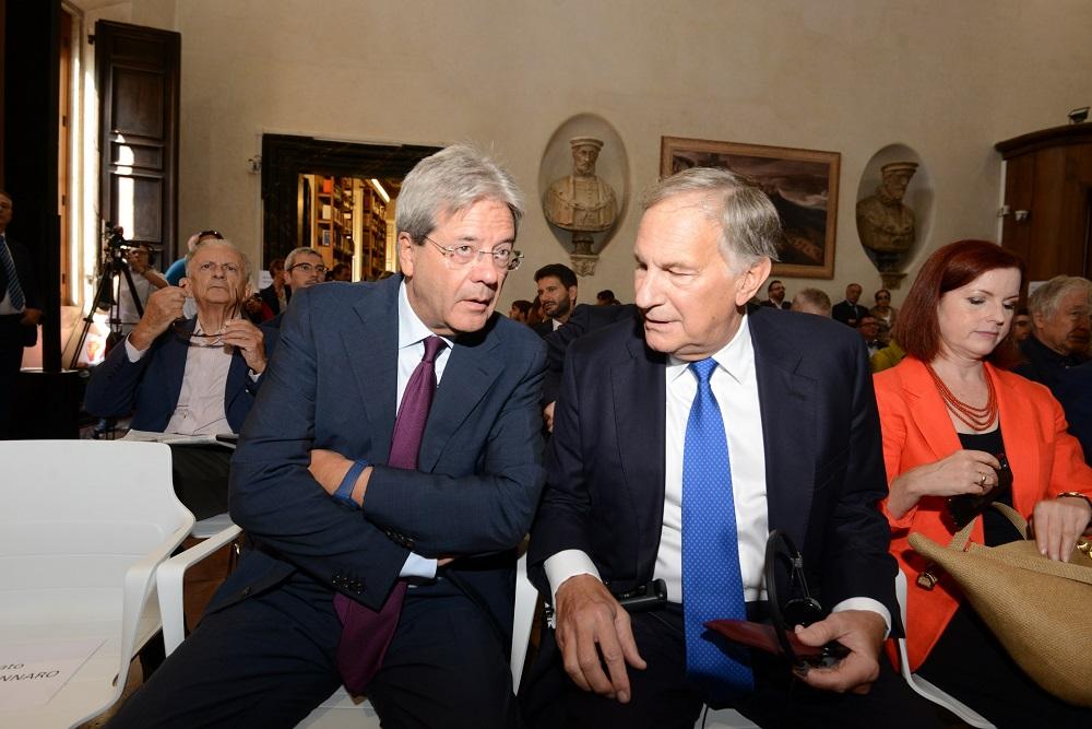 Paolo Gentiloni e John R. Phillips