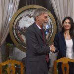 Virginia Raggi alla presentazione del Grab con Graziano Delrio