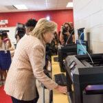 Hillary Clinton - Pagina ufficiale Facebook - Agosto 2016