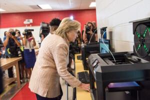 Cosa bisbiglia la stampa americana sui rapporti fra Hillary Clinton e Huma Abedin