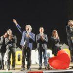Beppe Grillo, Paola Taverna, Carla Ruocco, Roberto Fico, Luigi Di Maio, Virginia Raggi e Alessandro Di Battista