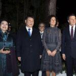 Agnese e Matteo Renzi con il presidente cinese Xi Jinping e la moglie Peng Liyuan - Imagoeconomica