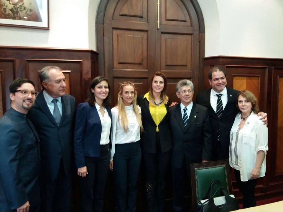 renata-bueno-e-parlamentari-venezuelani