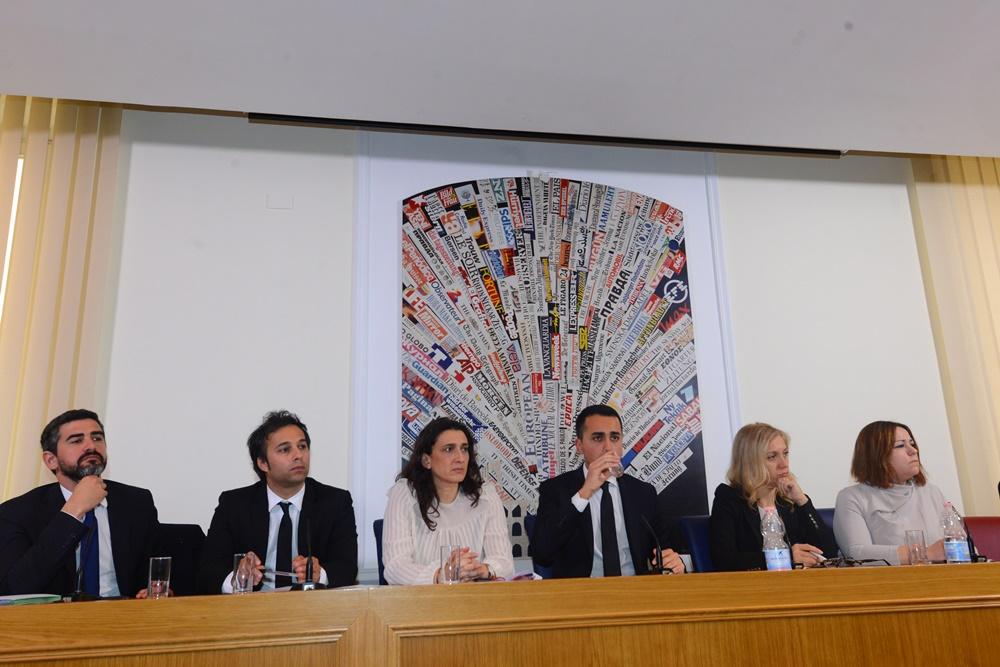 Riccardo Fraccaro, Sergio Battelli, Rosa D'Amato, Luigi Di Maio, Michela Montevecchi e Laura Agea