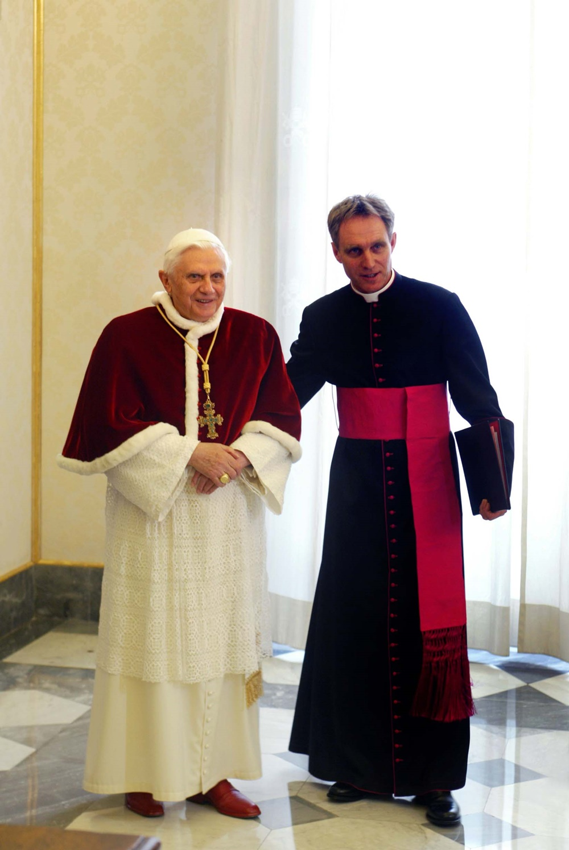 Benedetto XVI e Georg Gaenswein (2006)