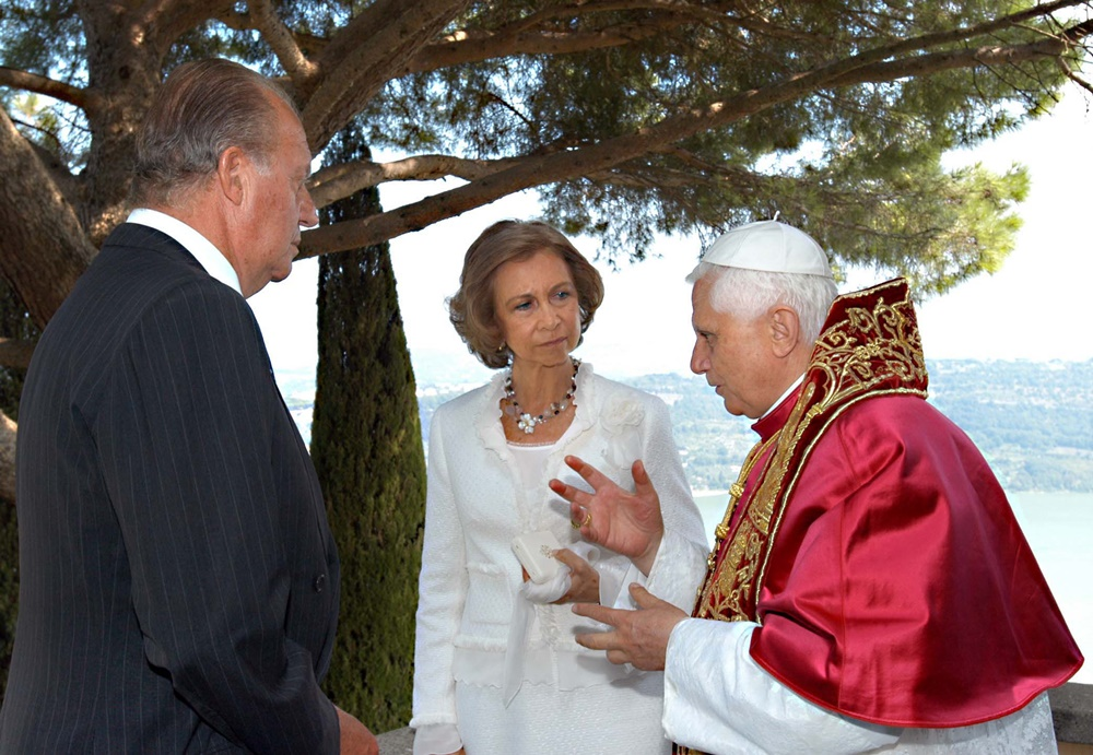 Benedetto XVI incontra i reali di Spagna Juan Carlos e Sofia (2005)
