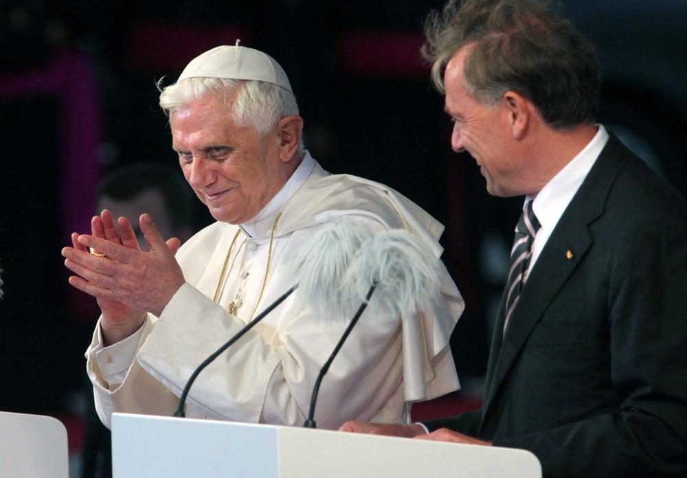Benedetto XVI incontra il presidente della Repubblica tedesco Horst Koehler alla giornata mondiale della gioventù di Colonia (2005)