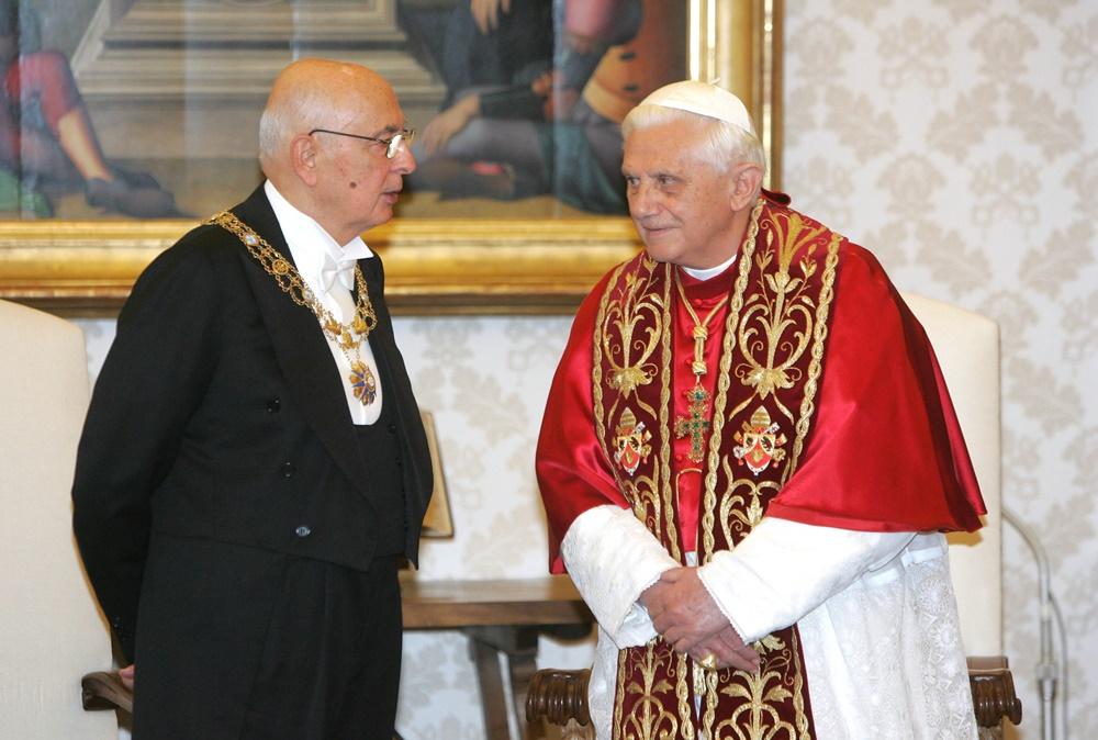 Benedetto XVI riceve in visita Giorgio Napolitano (2006)