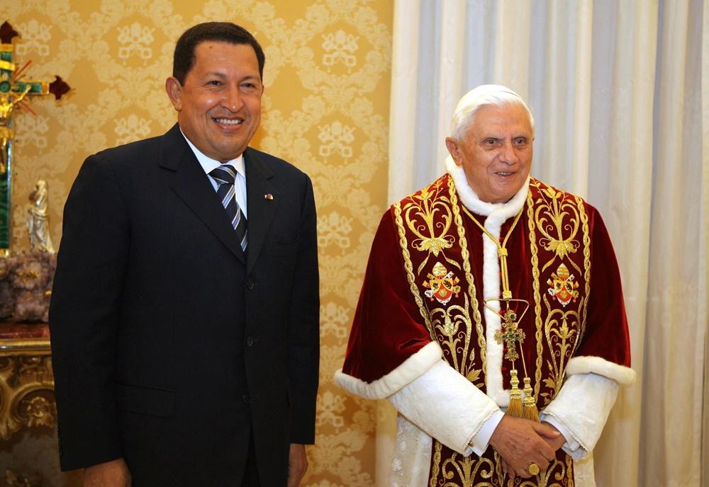 Benedetto XVI riceve in visita il presidente del Venezuela Hugo Chavez (2006)