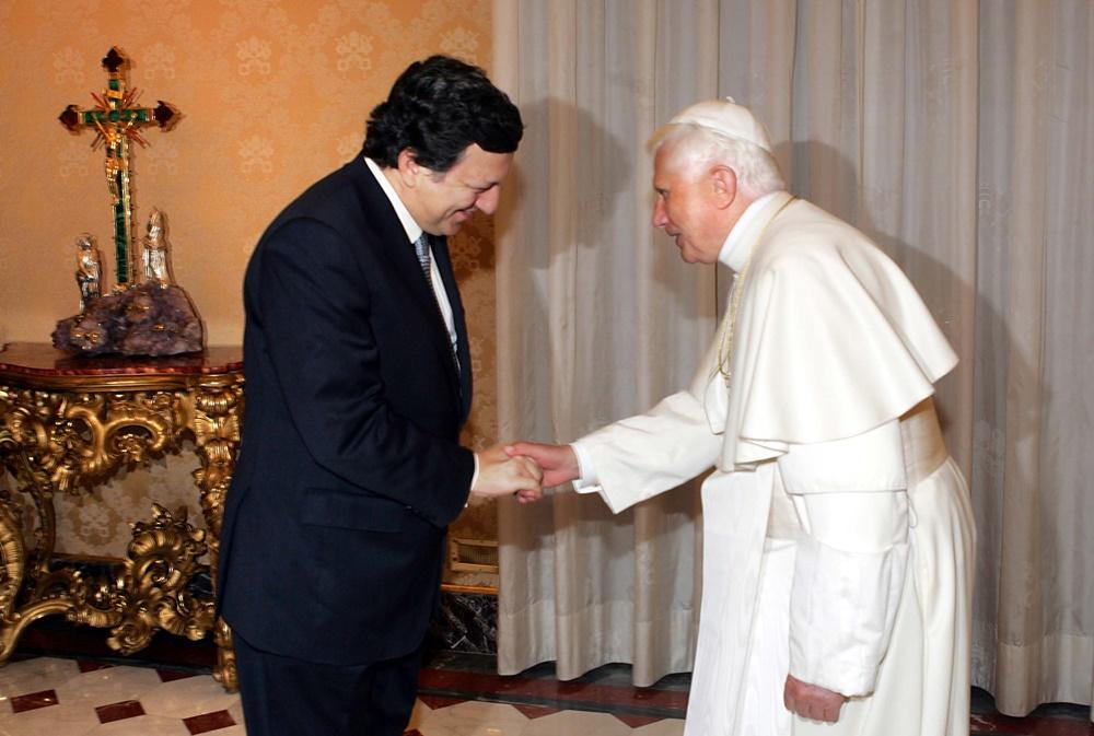 Benedetto XVI riceva in vista il presidente della Commissione europea Josè Manuel Barroso (2006)