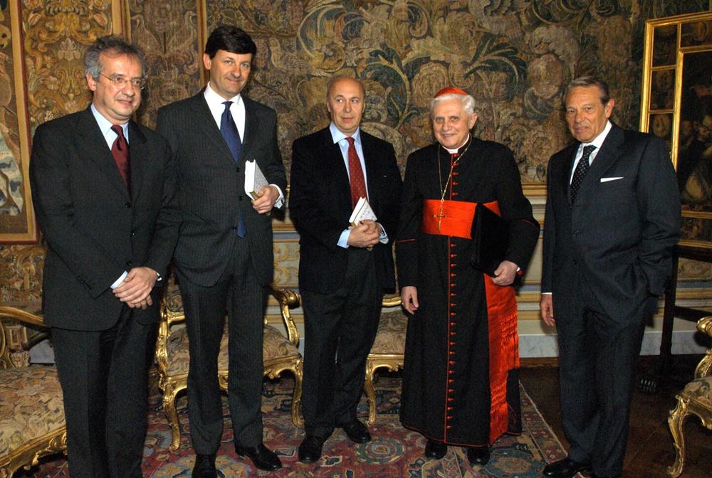 Walter Veltroni, Vittorio Colao, Paolo Mieli, Joseph Ratzinger e Joaquìn Navarro Valls (2005)