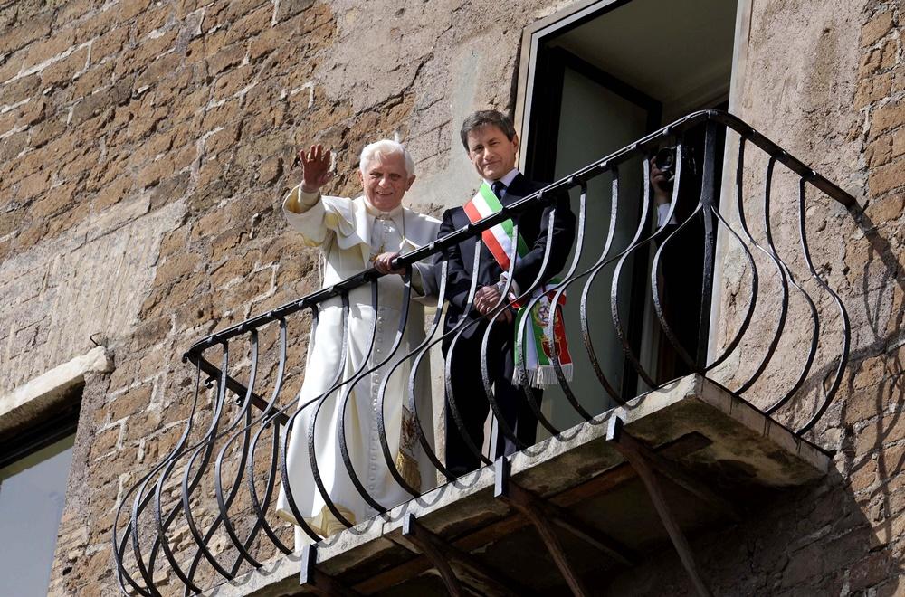 Benedetto XVI in visita in Campidoglio insieme a Gianni Alemanno (2009)