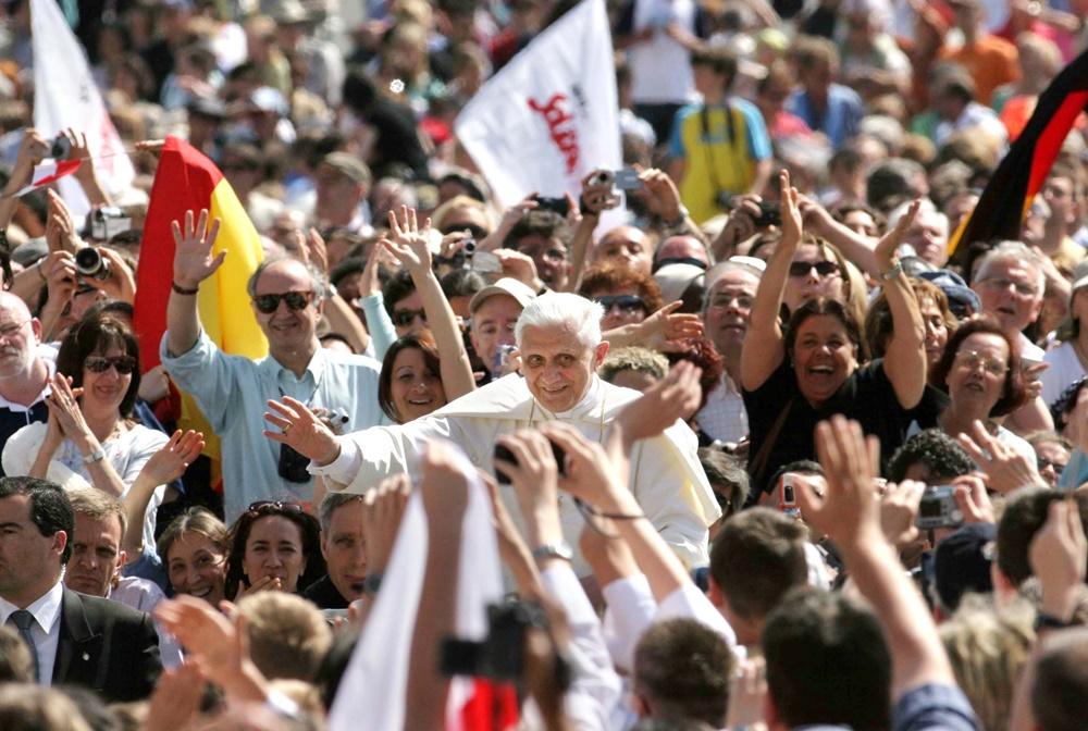 Benedetto XVI (2005)