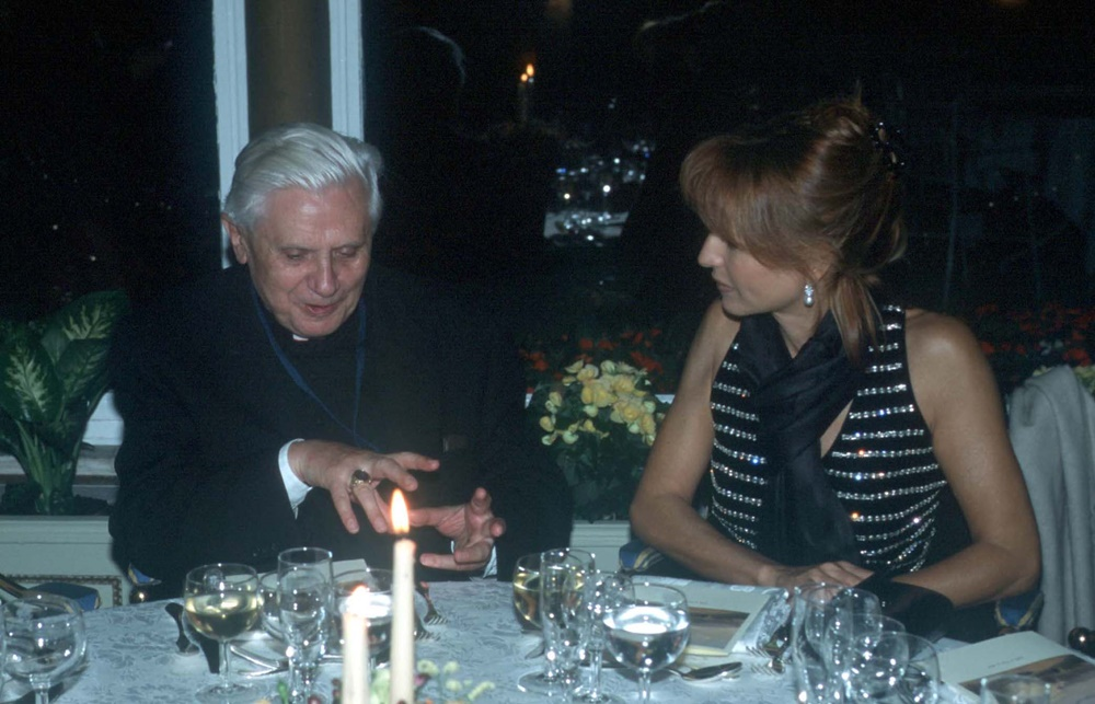 Joseph Ratzinger e Lilli Gruber (2002)