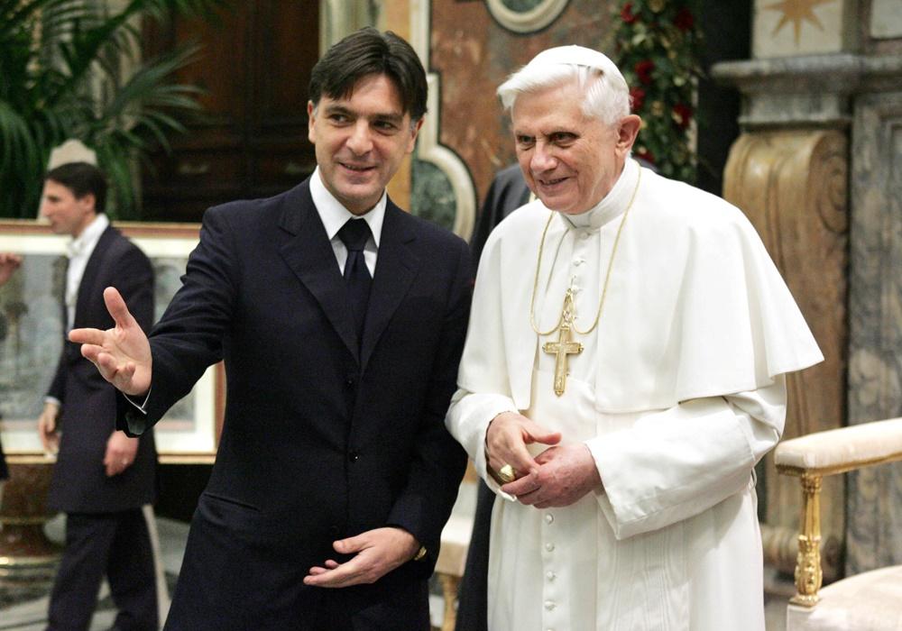 Enrico Gasbarra e Benedetto XVI (2005)
