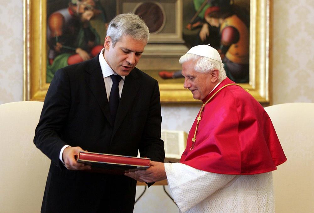 Benedetto XVI riceve in vista il presidente della Serbia Boris Tadic (2005)