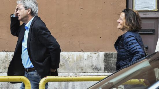 Paolo Gentiloni insieme a sua moglie Emanuela Mauro