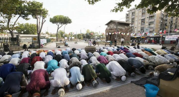 I ragazzi di fede musulmana più integrati in Italia hanno la doppia cittadinanza. Parla Ciocca