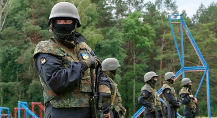 Razzi, carri armati e volontari. Tutte le armi della Russia in Ucraina
