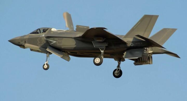 Il primo F-35B assemblato in Italia ha eseguito anche il decollo Stovl