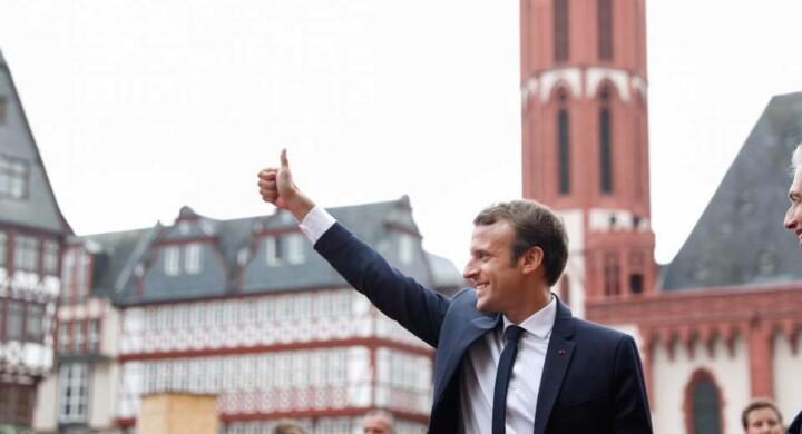 Dalla Cina agli Usa, così Macron sta scalzando la Merkel dalla leadership europea