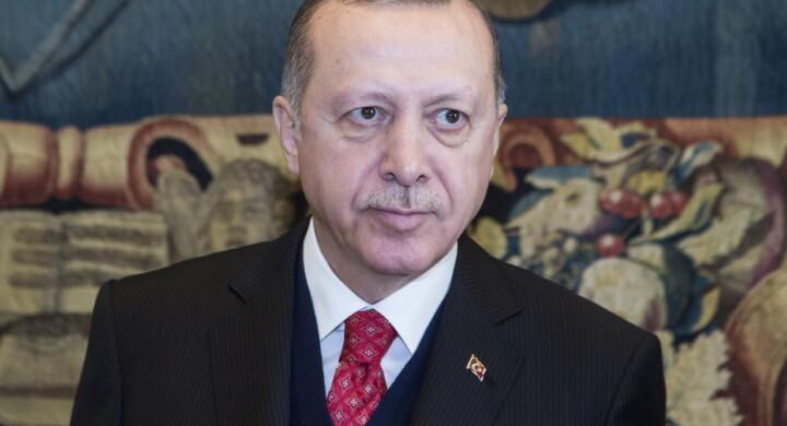 Spie, isole e minacce. Lo scontro totale tra Grecia e Turchia