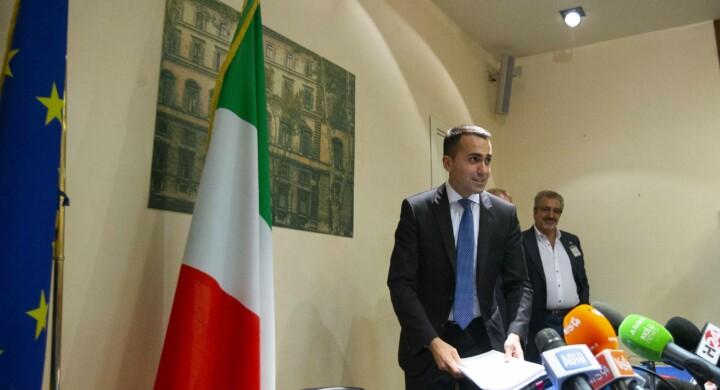 Luigi Di Maio stringe i tempi per salvare l'Ilva dalla chiusura