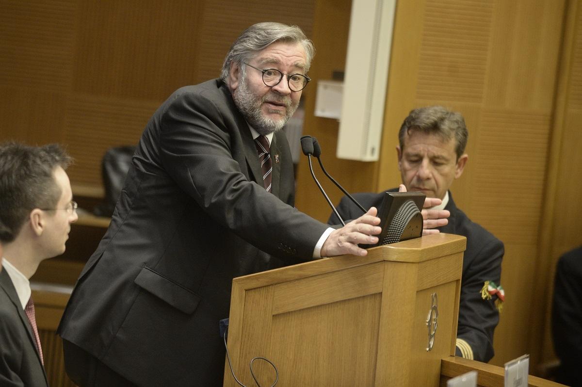 Fincantieri-Stx, come reagire alle manovre franco-tedesche. Parla Raffaele Volpi