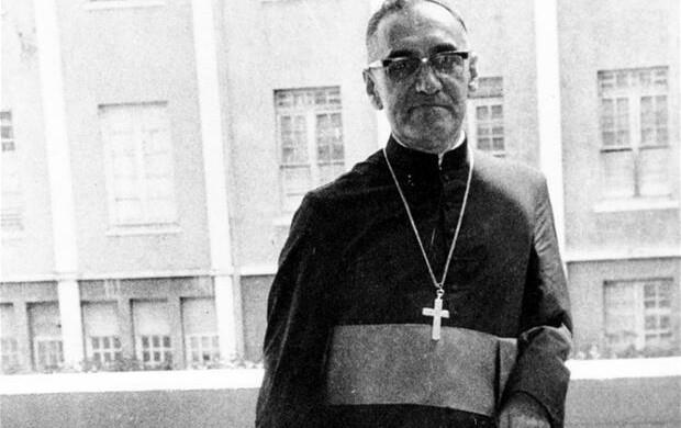 Fuoco di Paglia. Chi non vuole la canonizzazione di Romero?