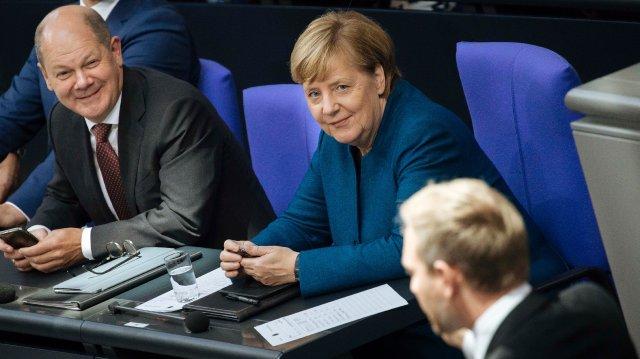 L'austerity, i Verdi e la zona Merkel. Tutti i crucci di Scholz