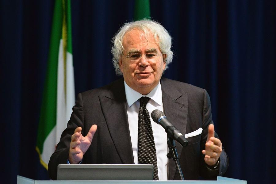 L'Italia non può restare neutrale su Iran e Cina. Parla Pelanda