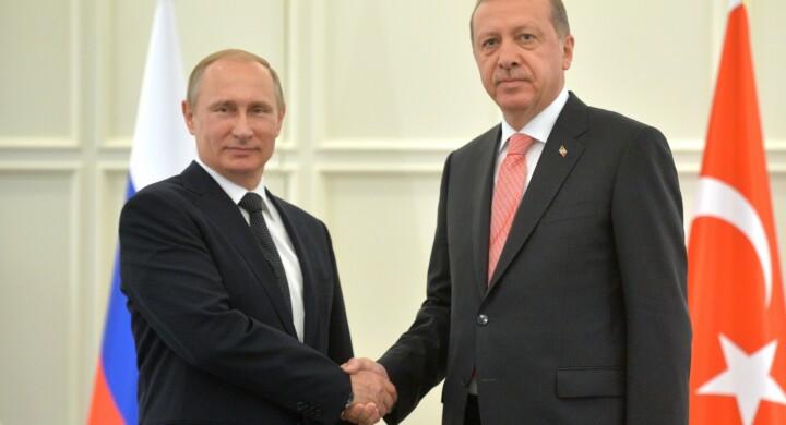Ecco come la difesa e l'aerospazio rafforzano il legame fra Erdogan e Putin