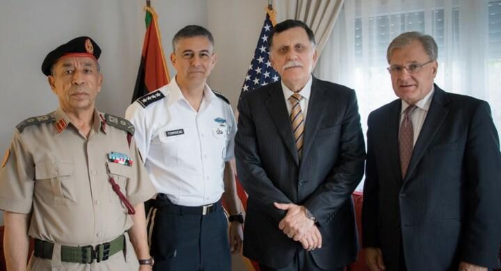 Svolta in Libia. Gli Stati Uniti colpiscono i terroristi (e Serraj apprezza)