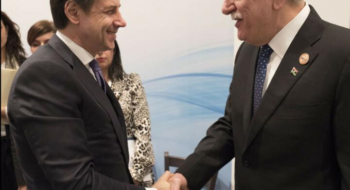 Prima di Macron, Conte vedrà Serraj. Ecco cosa si diranno